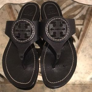 TORY BURCH LOUISA SANDAL BLACK SZ 8 GOOD COND